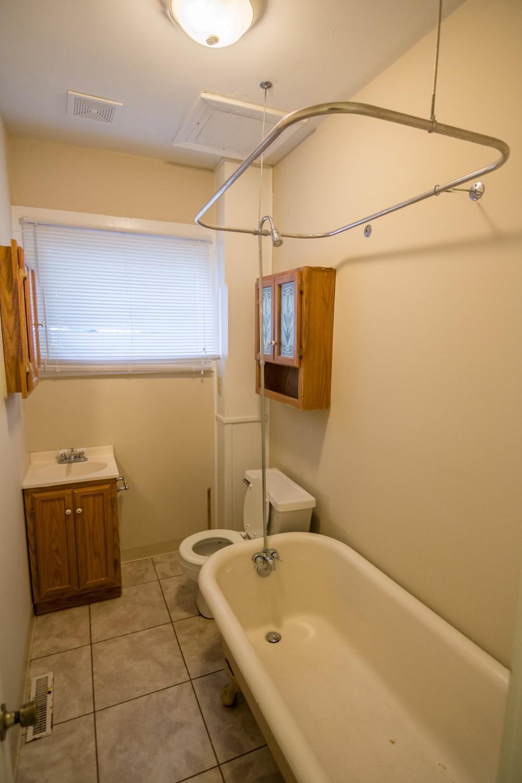 FMM RENTALS 3 Bedroom 2 Bath Willoughby FMM RENTALS